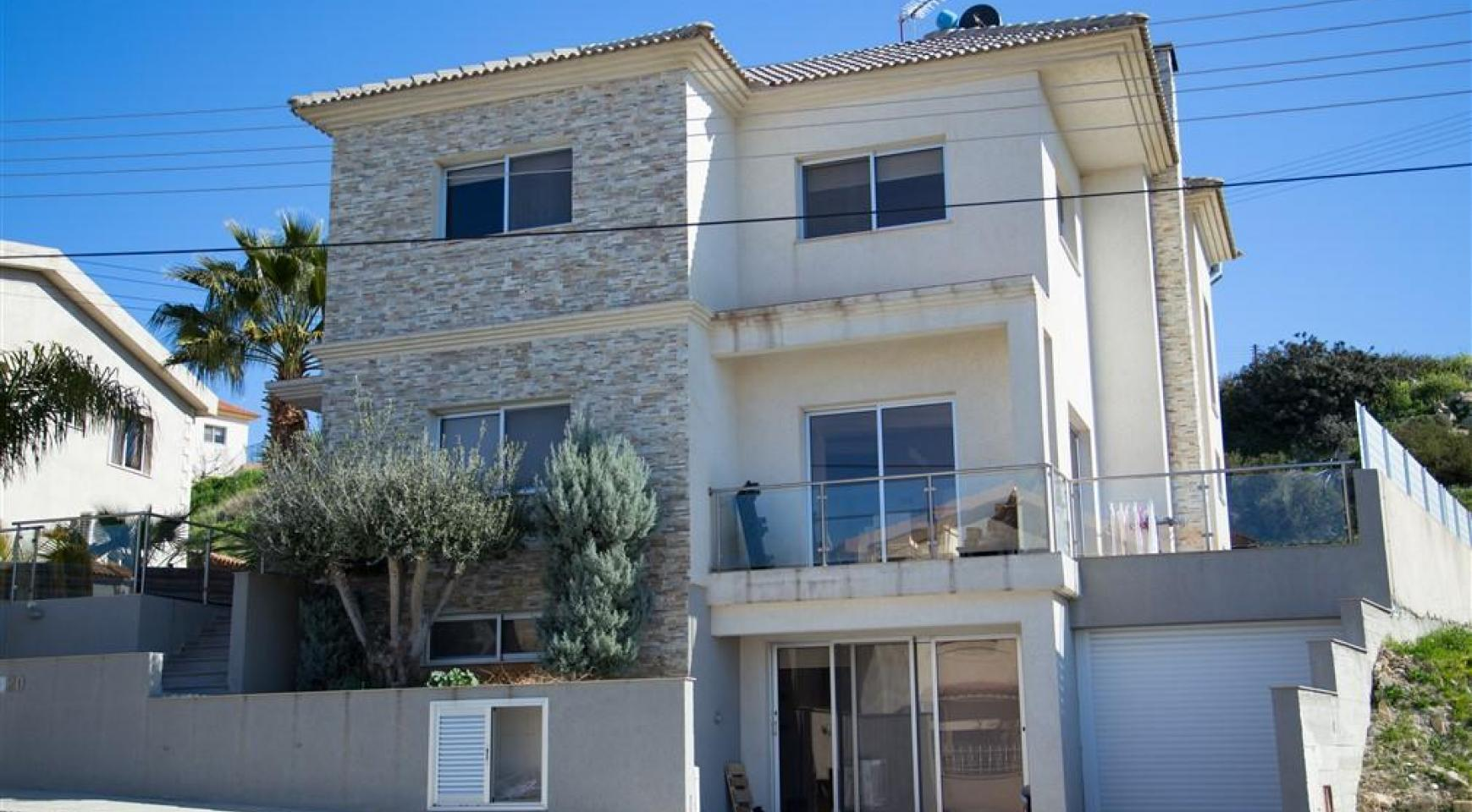 Просторный 4-Спальный Дом в Районе Агиос Атанасиос - 2