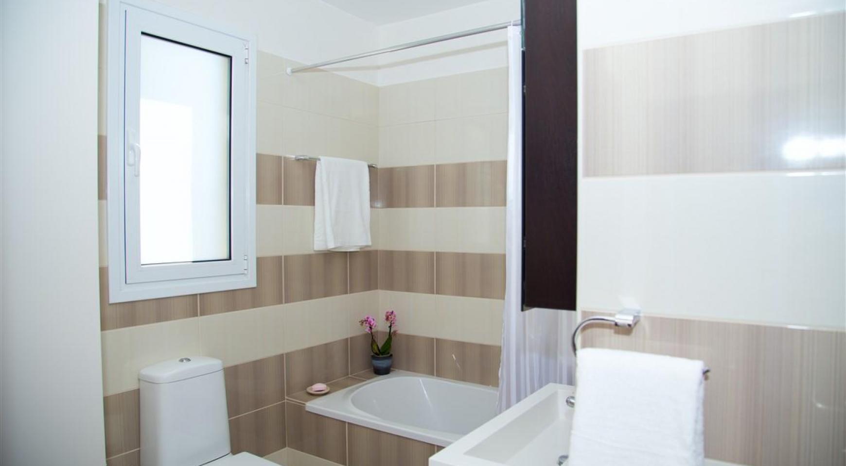 Современная  2-Спальная Квартира Christina 303 в Районе Потамос Гермасойя - 13
