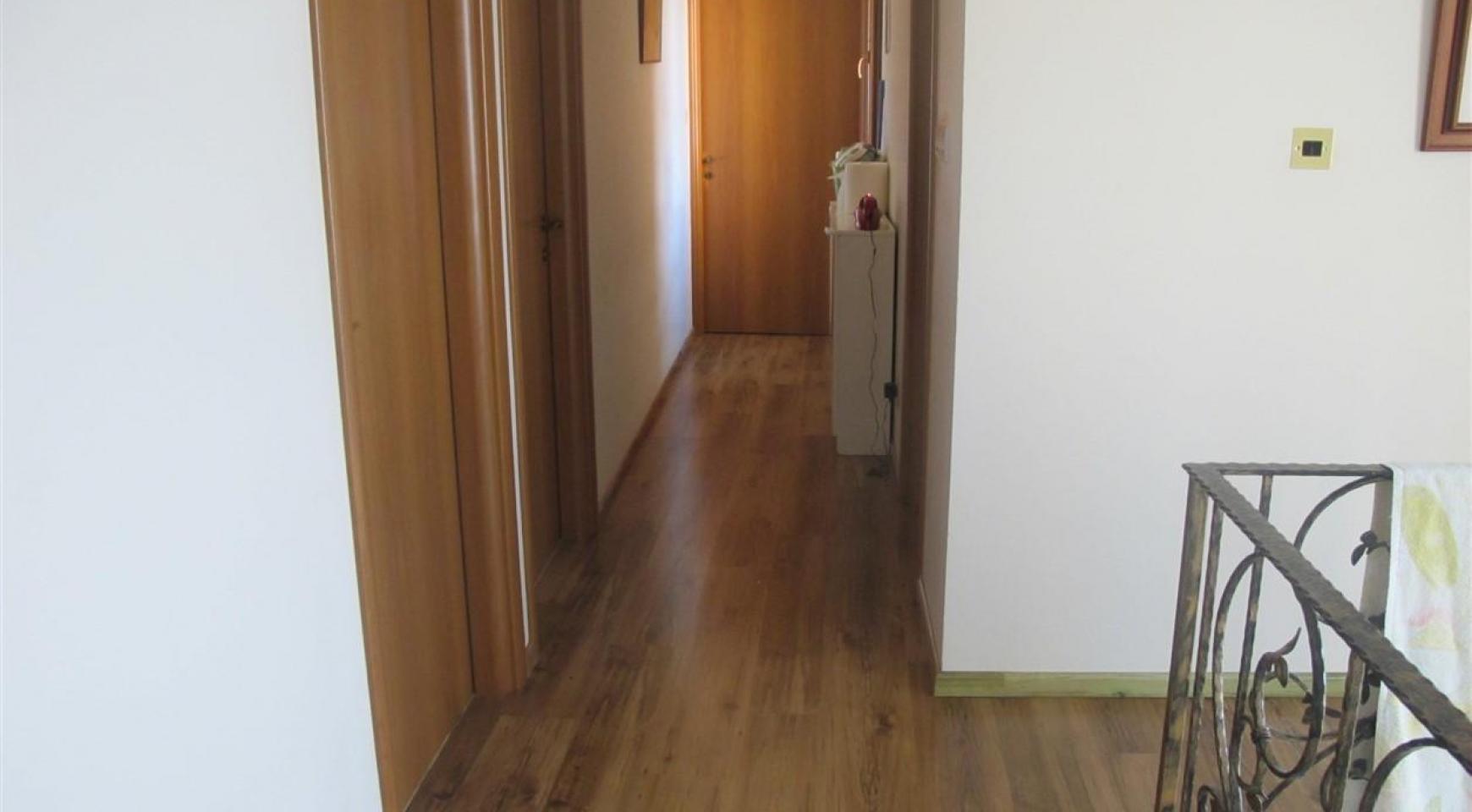 Просторная 5-Спальная Вилла в Районе Потамос Гермасойя - 21