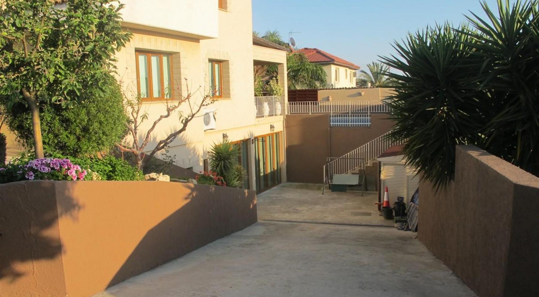Просторная 5-Спальная Вилла в Районе Потамос Гермасойя - 8