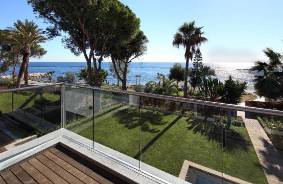 Эксклюзивная 4-Спальная Квартира с Видом на Море