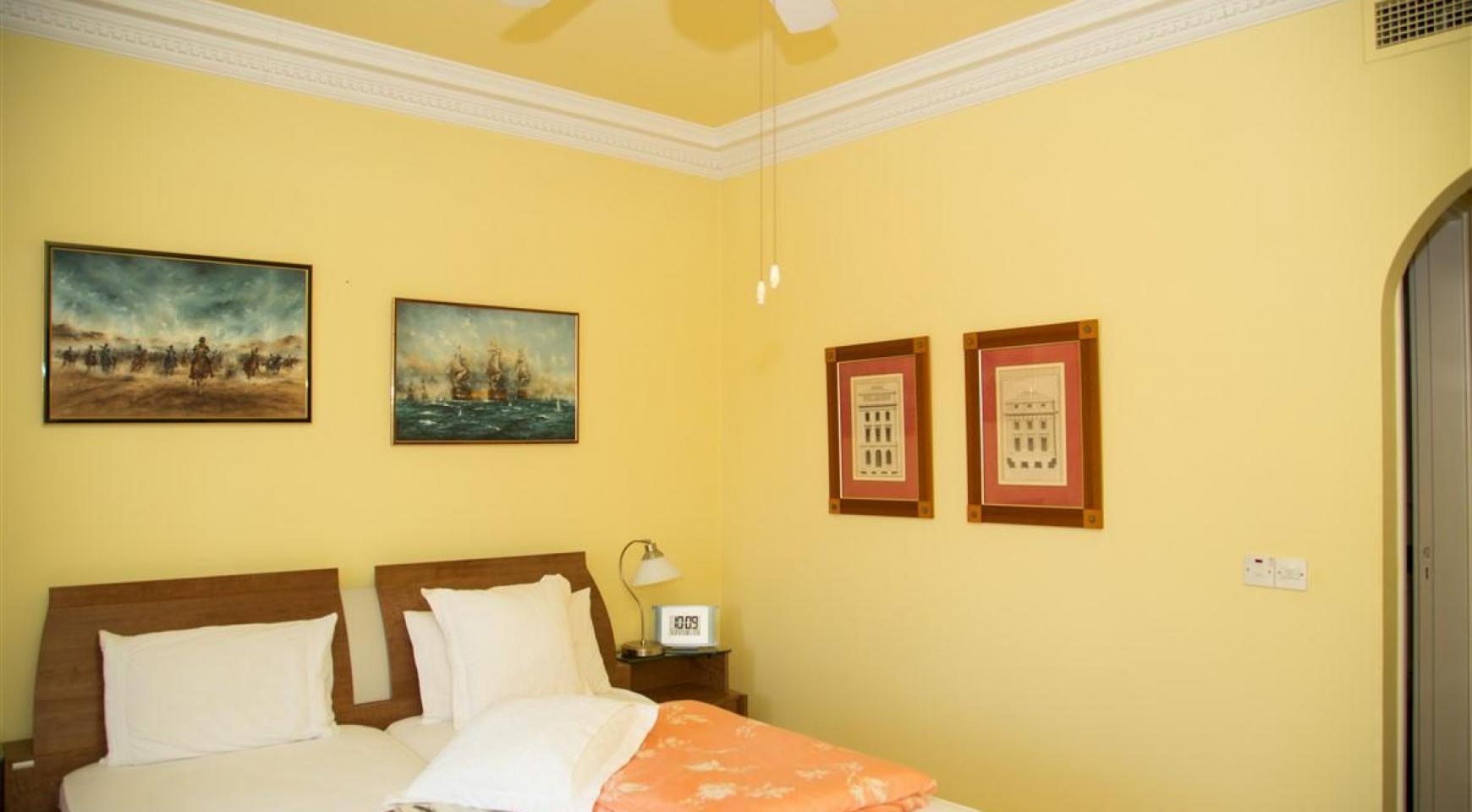 Просторная 3-Спальная Квартира на Берегу Моря - 13