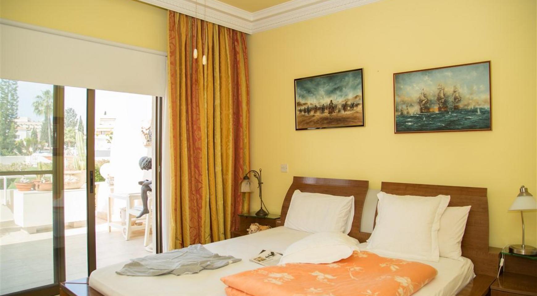 Просторная 3-Спальная Квартира на Берегу Моря - 11