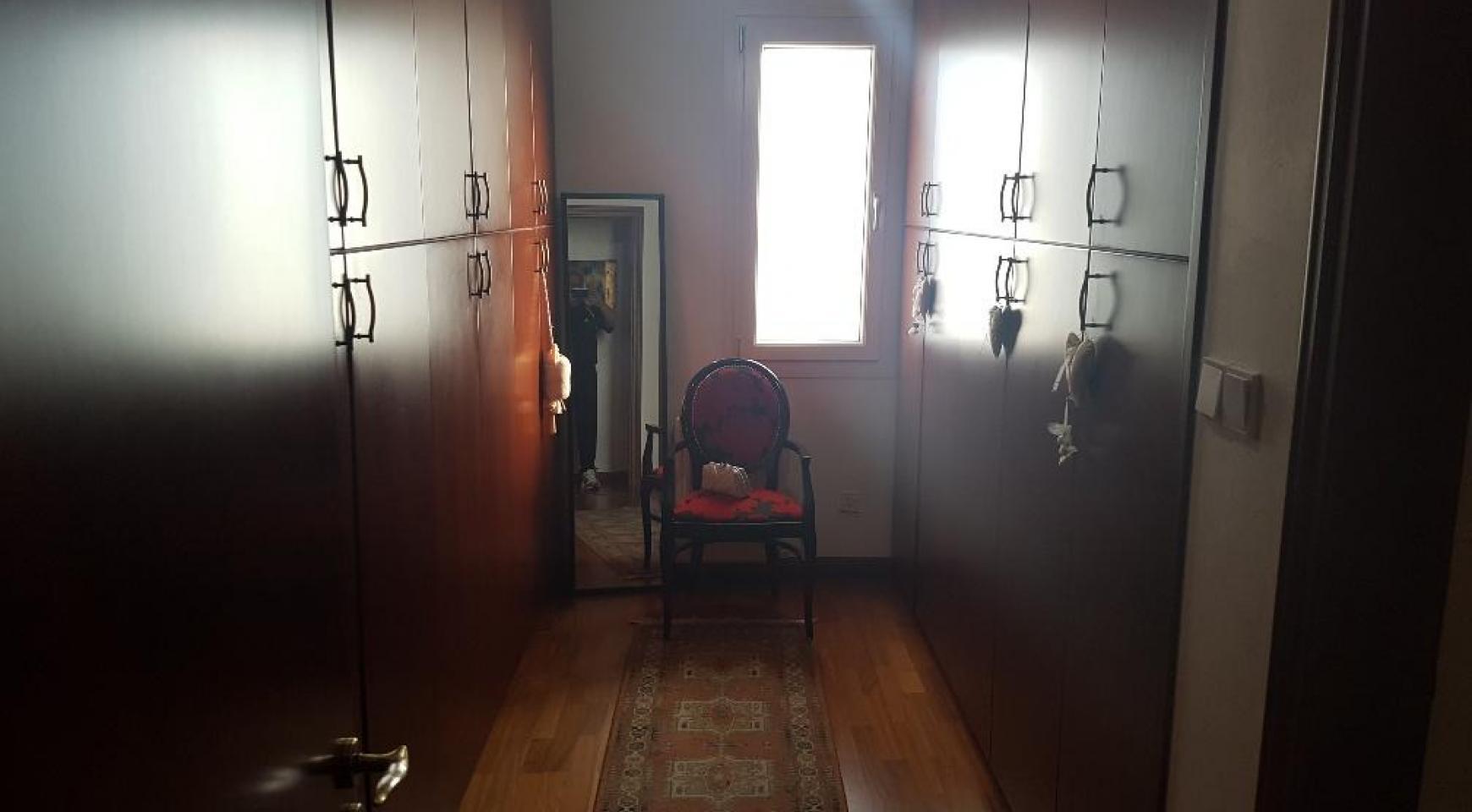 Просторная 4-Спальная Вилла с Красивым Видом - 19