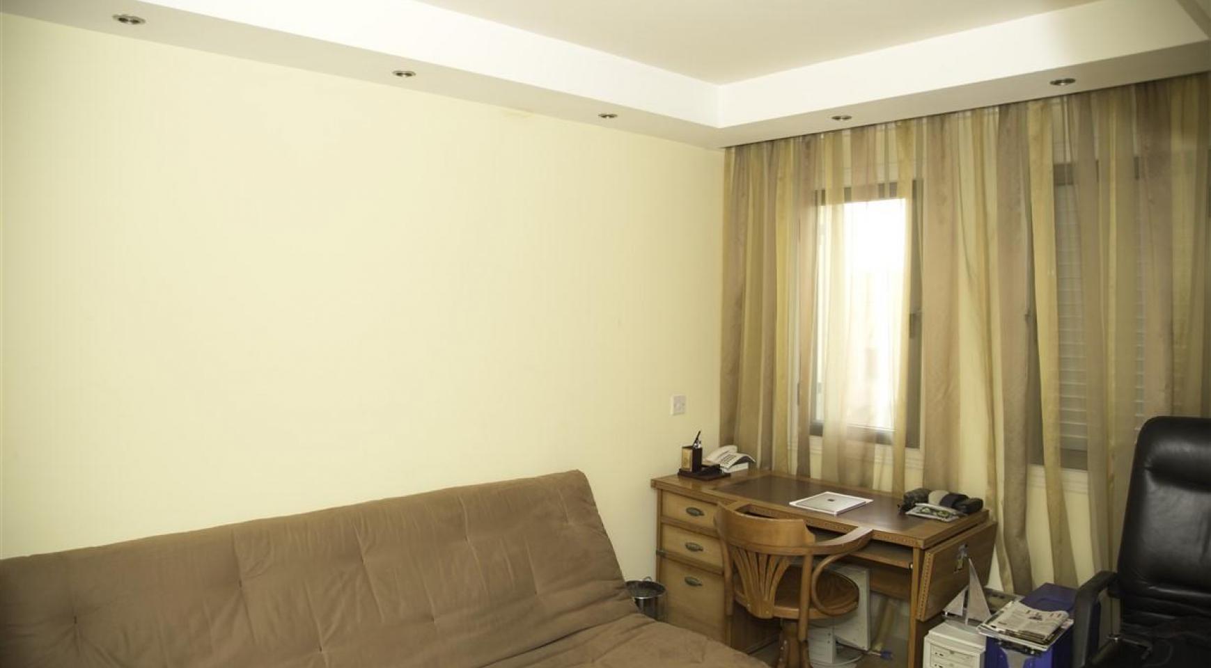 Просторная 2-Спальная Квартира на Берегу Моря  - 13