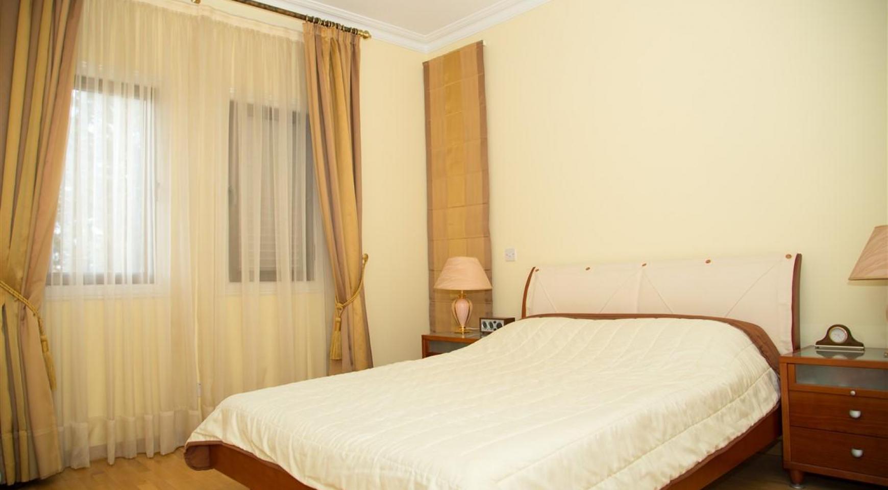 Просторная 2-Спальная Квартира на Берегу Моря  - 15