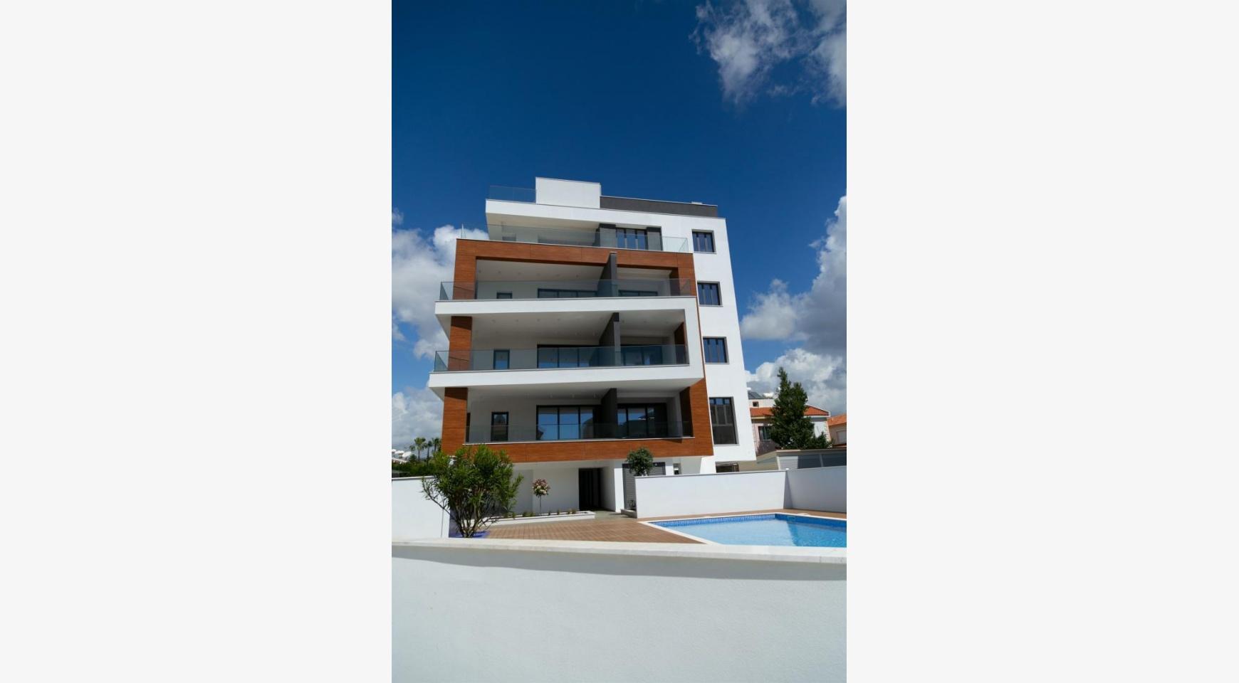 Malibu Residence. Современная Односпальная Квартира 101 в Районе Ротамос Гермасойя - 8