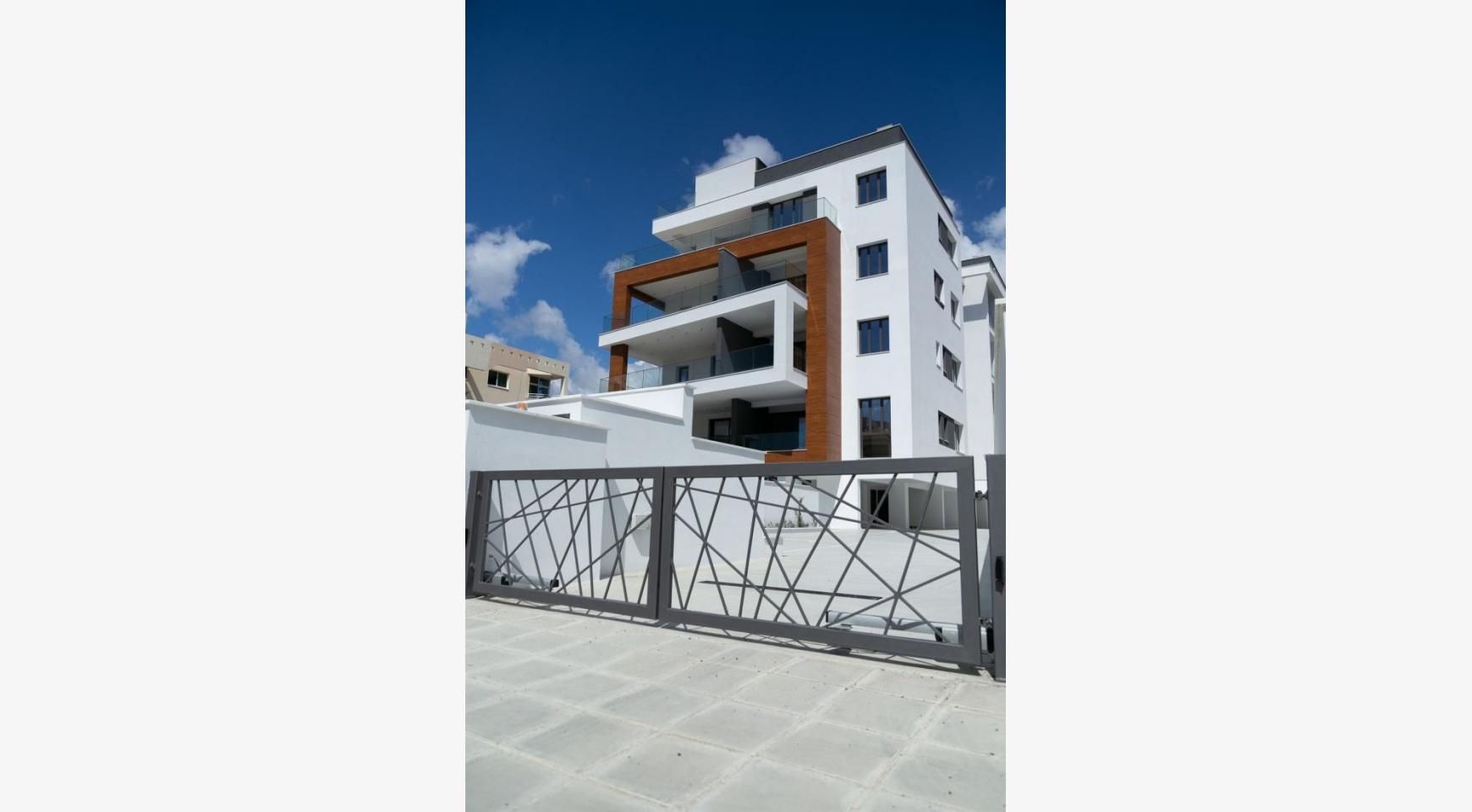 Malibu Residence. Современная Односпальная Квартира 101 в Районе Ротамос Гермасойя - 10