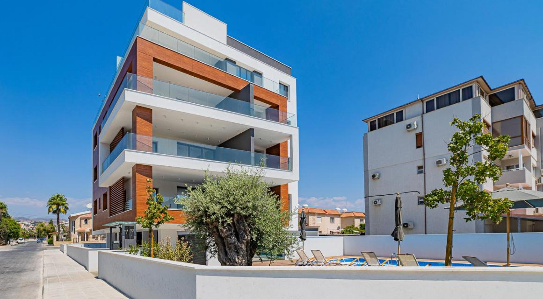 Malibu Residence. Современная Односпальная Квартира 101 в Районе Ротамос Гермасойя - 40