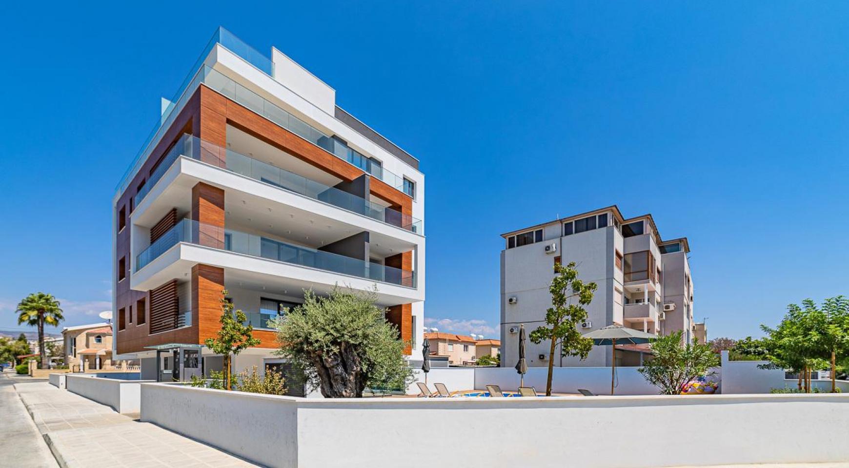 Malibu Residence. Современная Односпальная Квартира 101 в Районе Ротамос Гермасойя - 39
