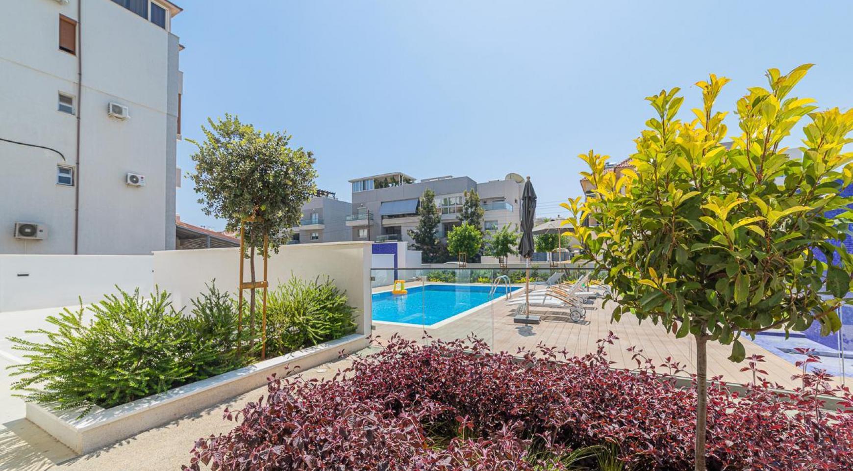 Malibu Residence. Современная Односпальная Квартира 101 в Районе Ротамос Гермасойя - 12