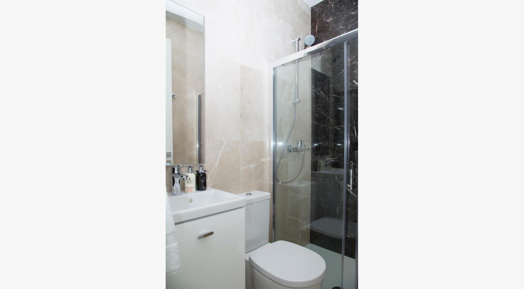 Malibu Residence. Новая Современная 3-Спальная Квартира 202 в Элитном Комплексе - 31