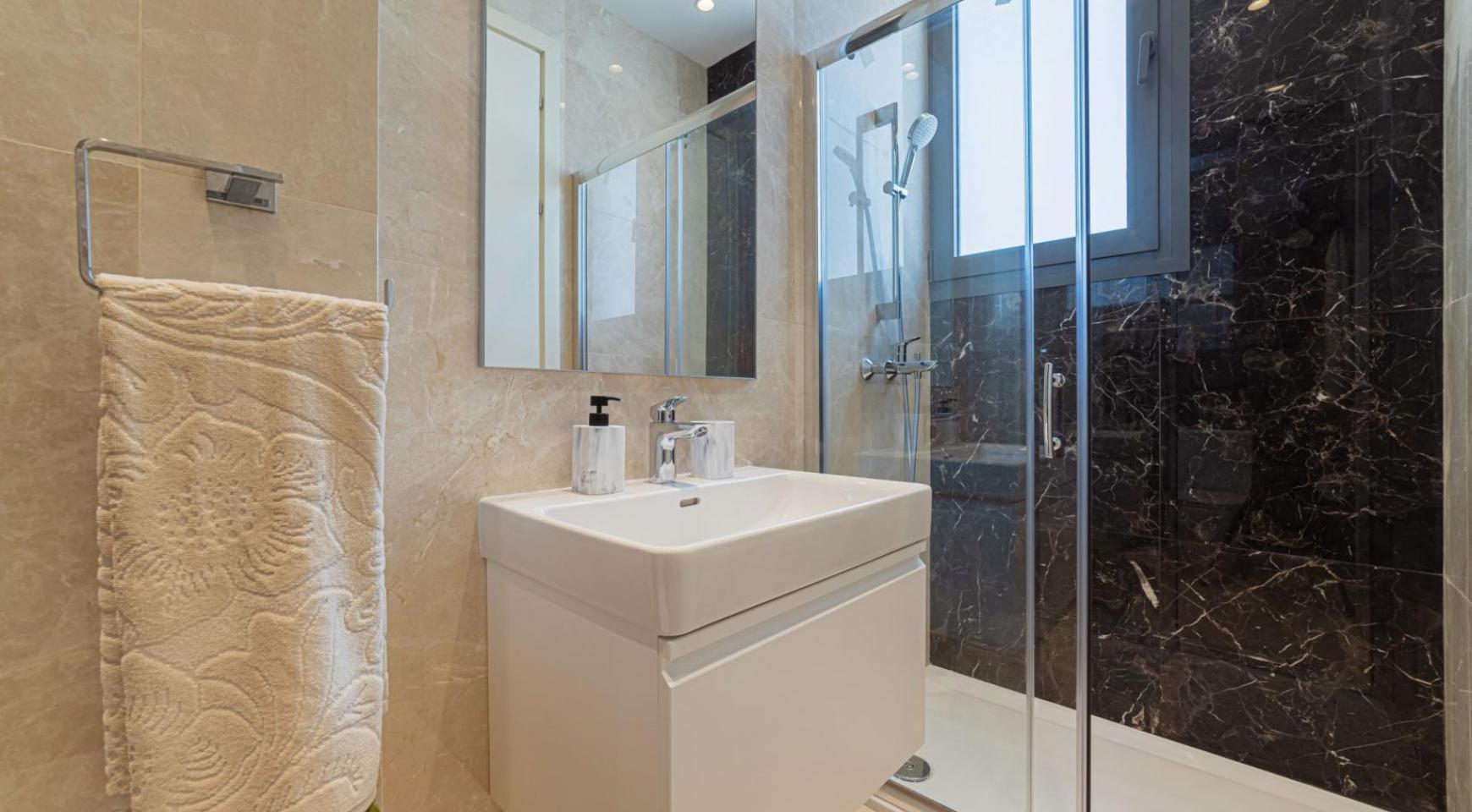 Malibu Residence. Современная  2-Спальная Квартира 303 в Районе Потамос Гермасойя - 41