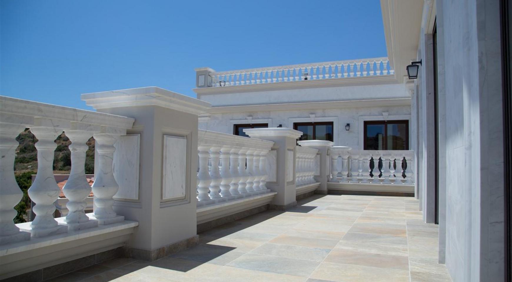 Эксклюзивная 6-спальная Вилла с Изумительными Видами на Море и Горы - 40