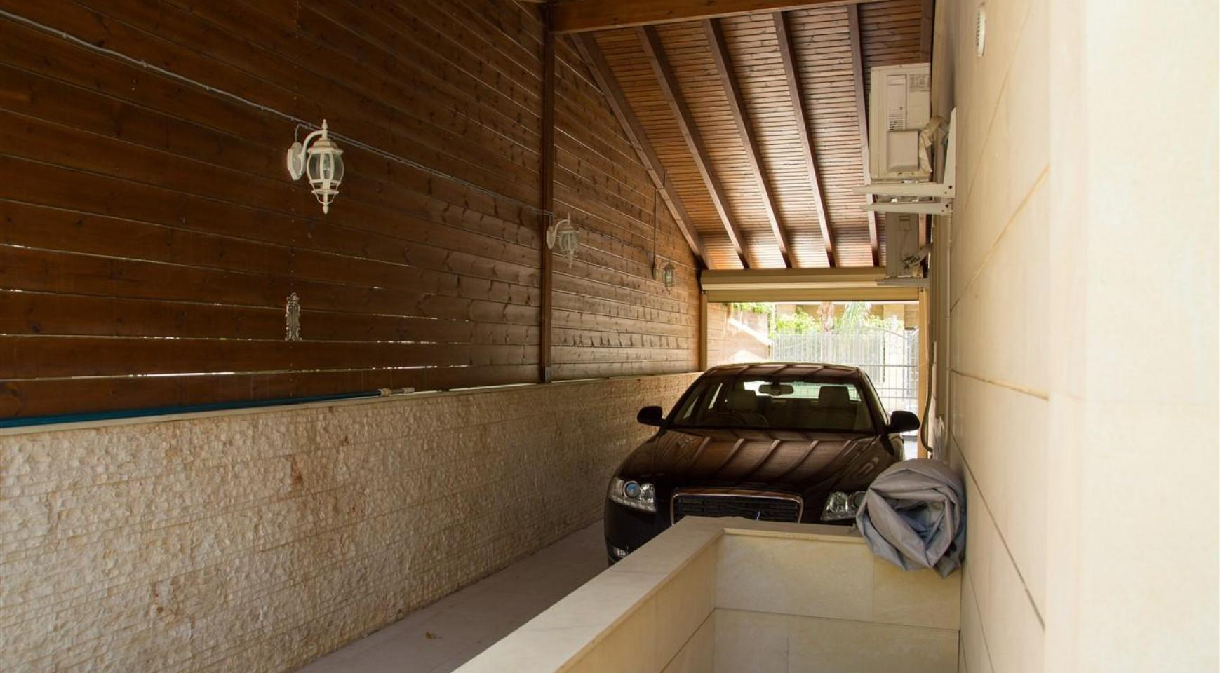 Элитная 4-Спальная Вилла возле Моря - 38