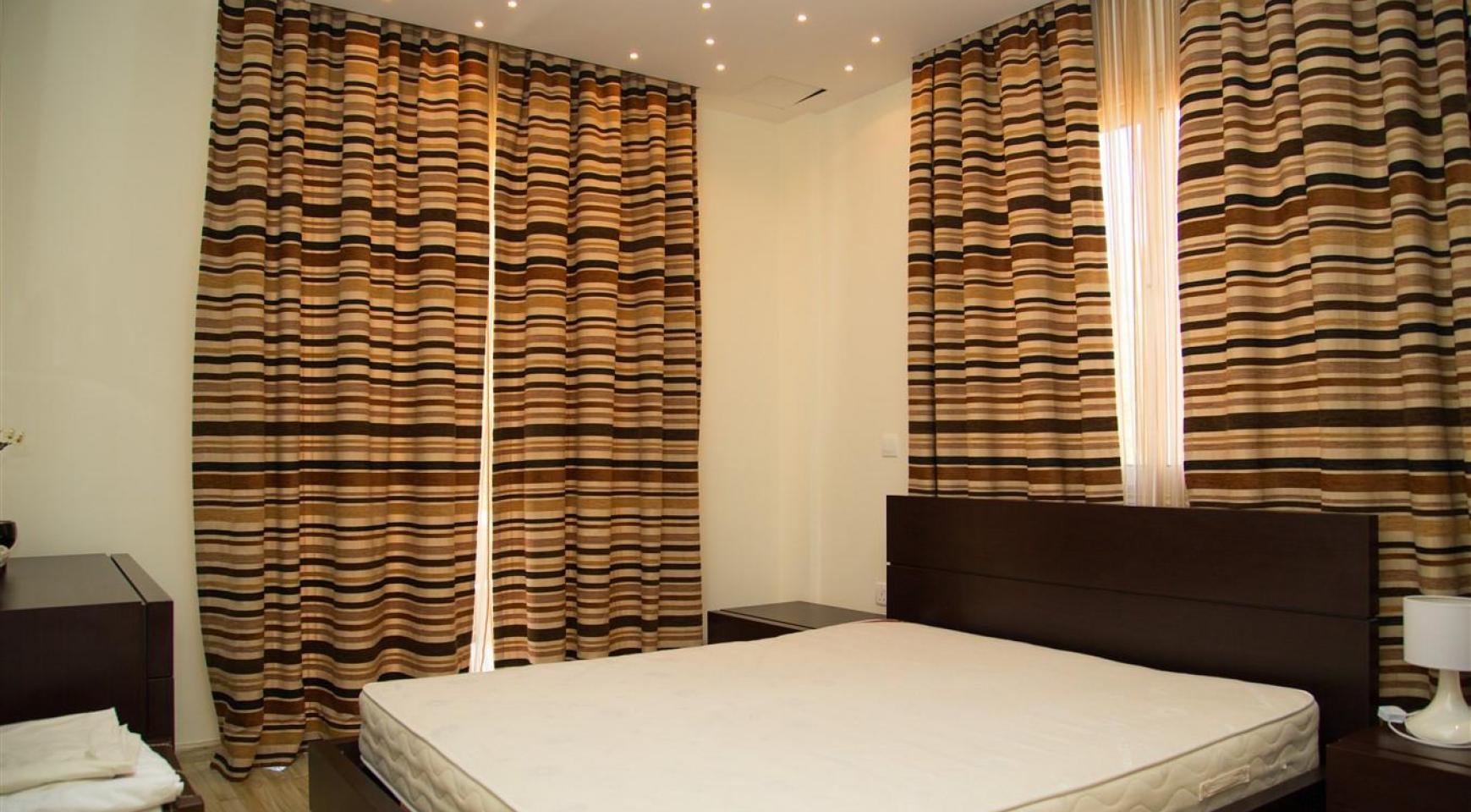 Элитная 4-Спальная Вилла возле Моря - 16
