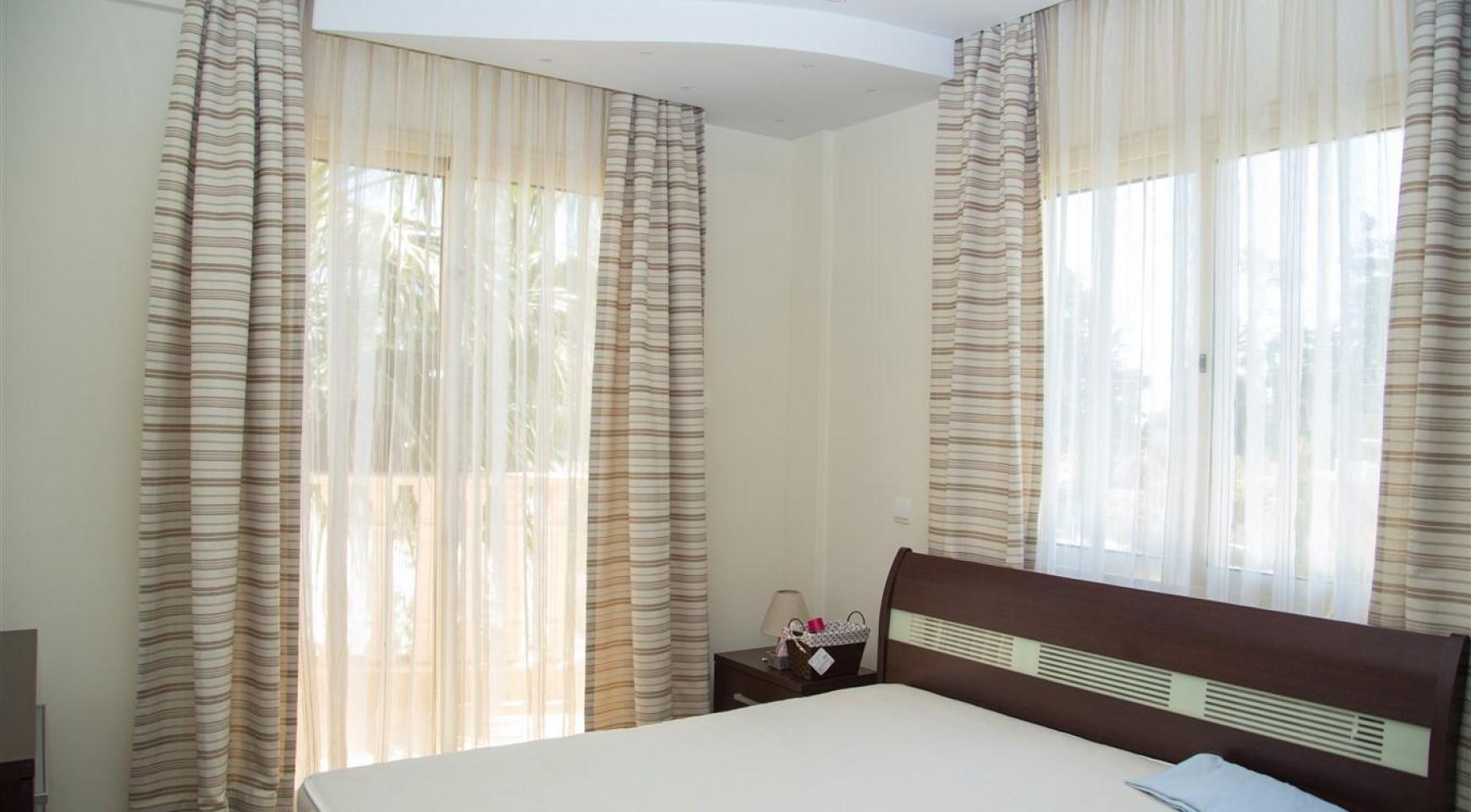 Элитная 4-Спальная Вилла возле Моря - 26