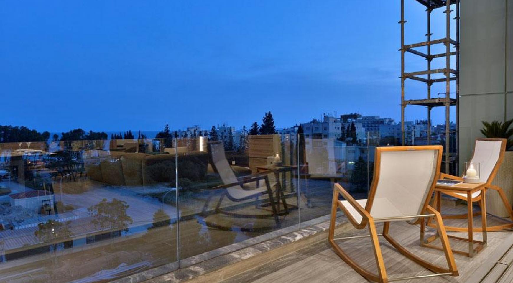 Роскошный Двухуровневый Пентхаус с Террасой на Крыше возле Моря - 14