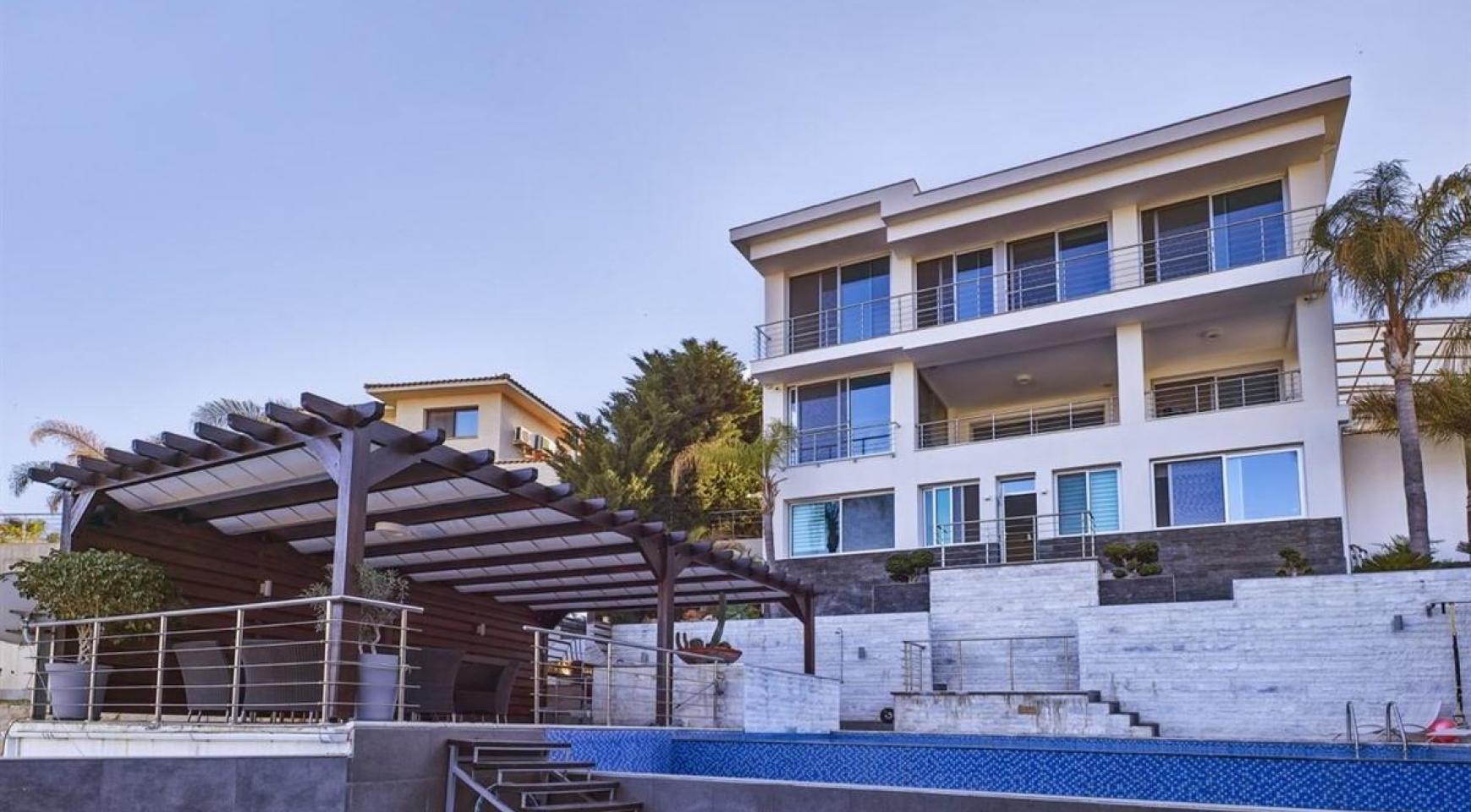 Элитная 5-Спальная Вилла с Изумительными Видами на Море и Горы в Районе Agios Tychonas - 2