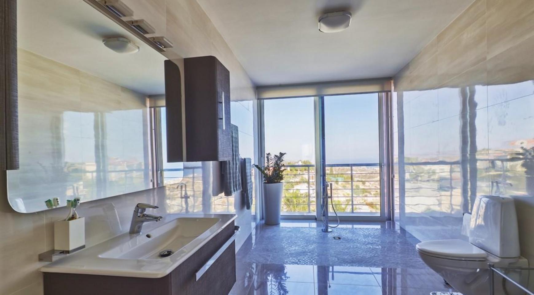 Элитная 5-Спальная Вилла с Изумительными Видами на Море и Горы в Районе Agios Tychonas - 22