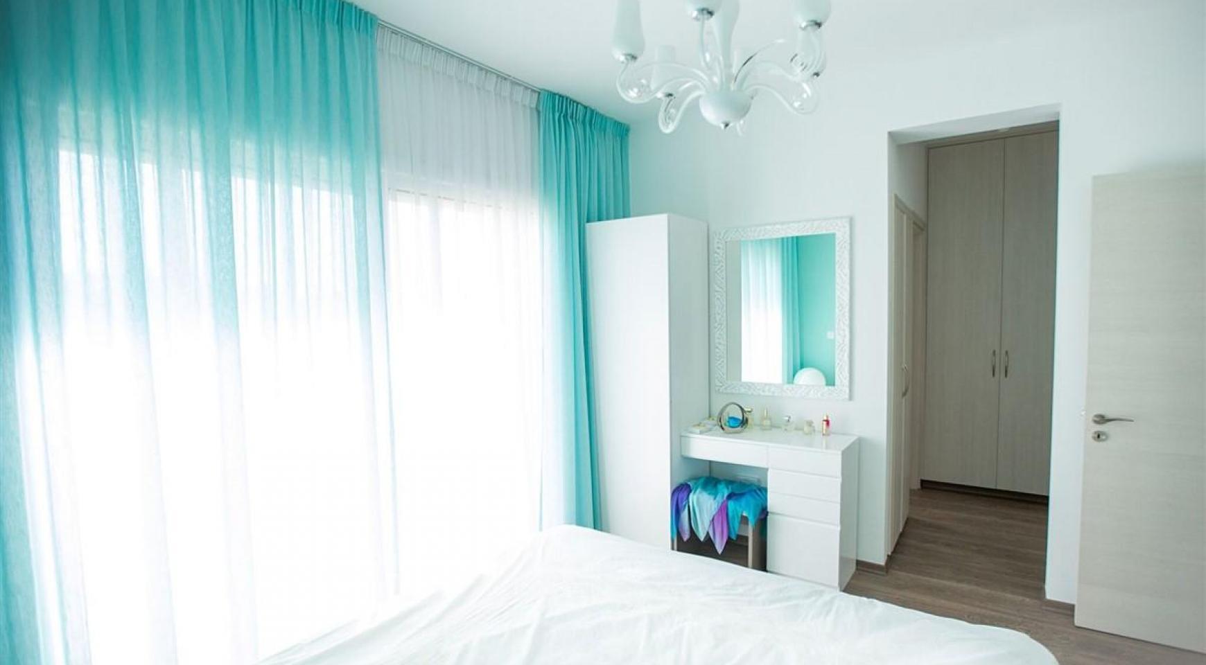Современная 3-Спальная Вилла с Видом на Море в Районе Mouttagiaka  - 22
