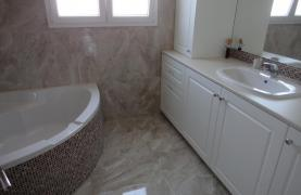 Полностью Отремонтированный 4-Спальный Пентхаус в Районе Potamos Germasogeia - 13