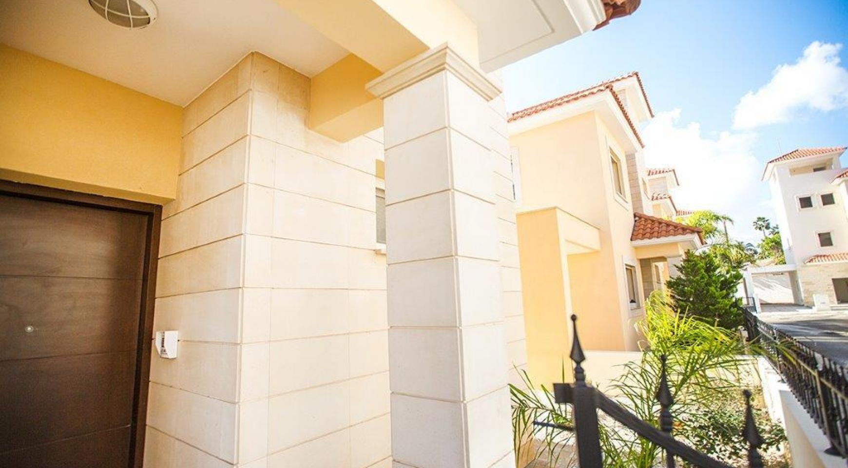 Новая Современная 4-Спальная Вилла в Районе Mouttagiaka - 7