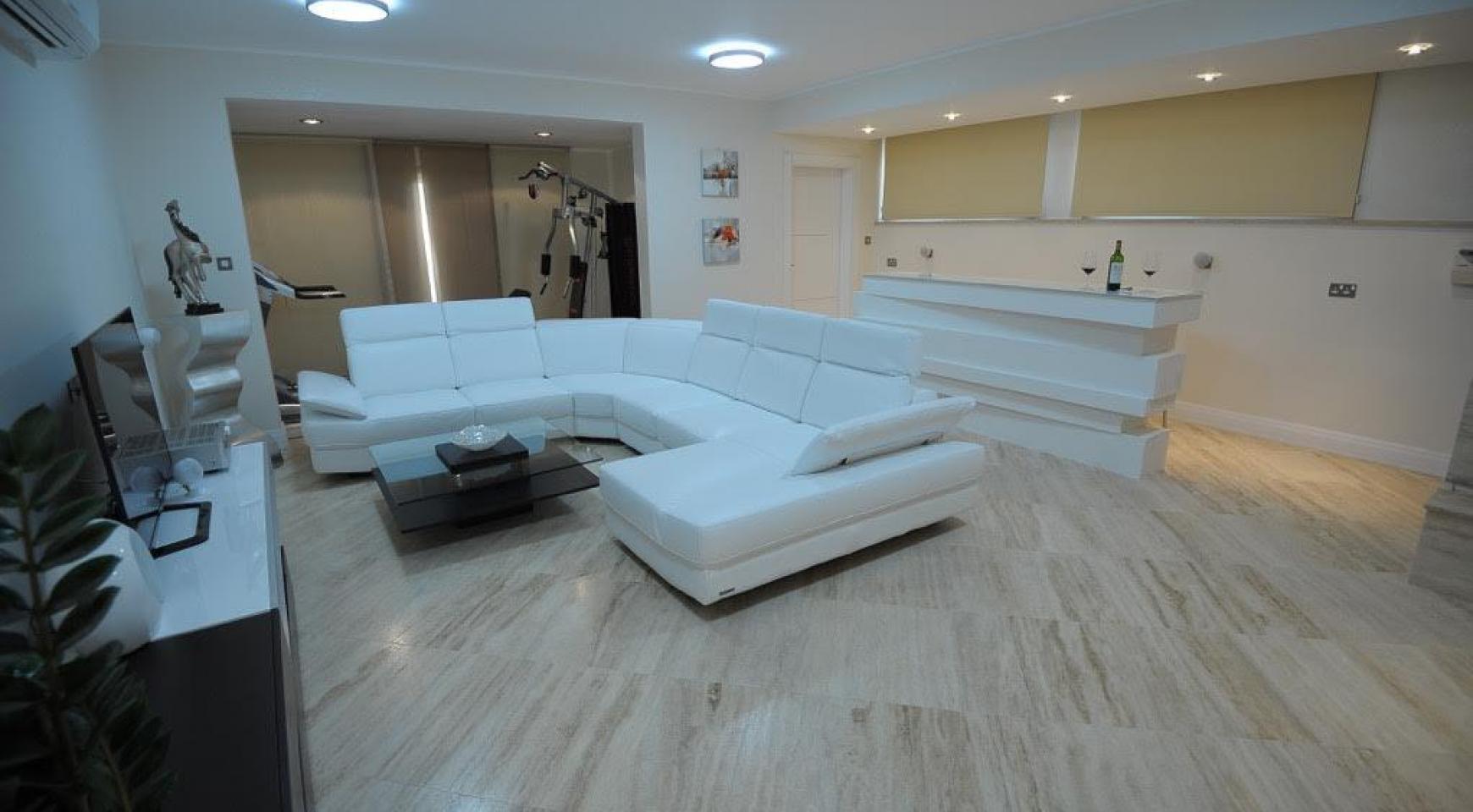 Новая Элитная 5-Спальная Вилла с Изумительными Видами в Районе  Agios Tychonas - 8