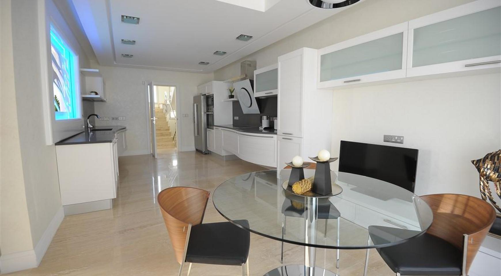 Новая Элитная 5-Спальная Вилла с Изумительными Видами в Районе  Agios Tychonas - 4