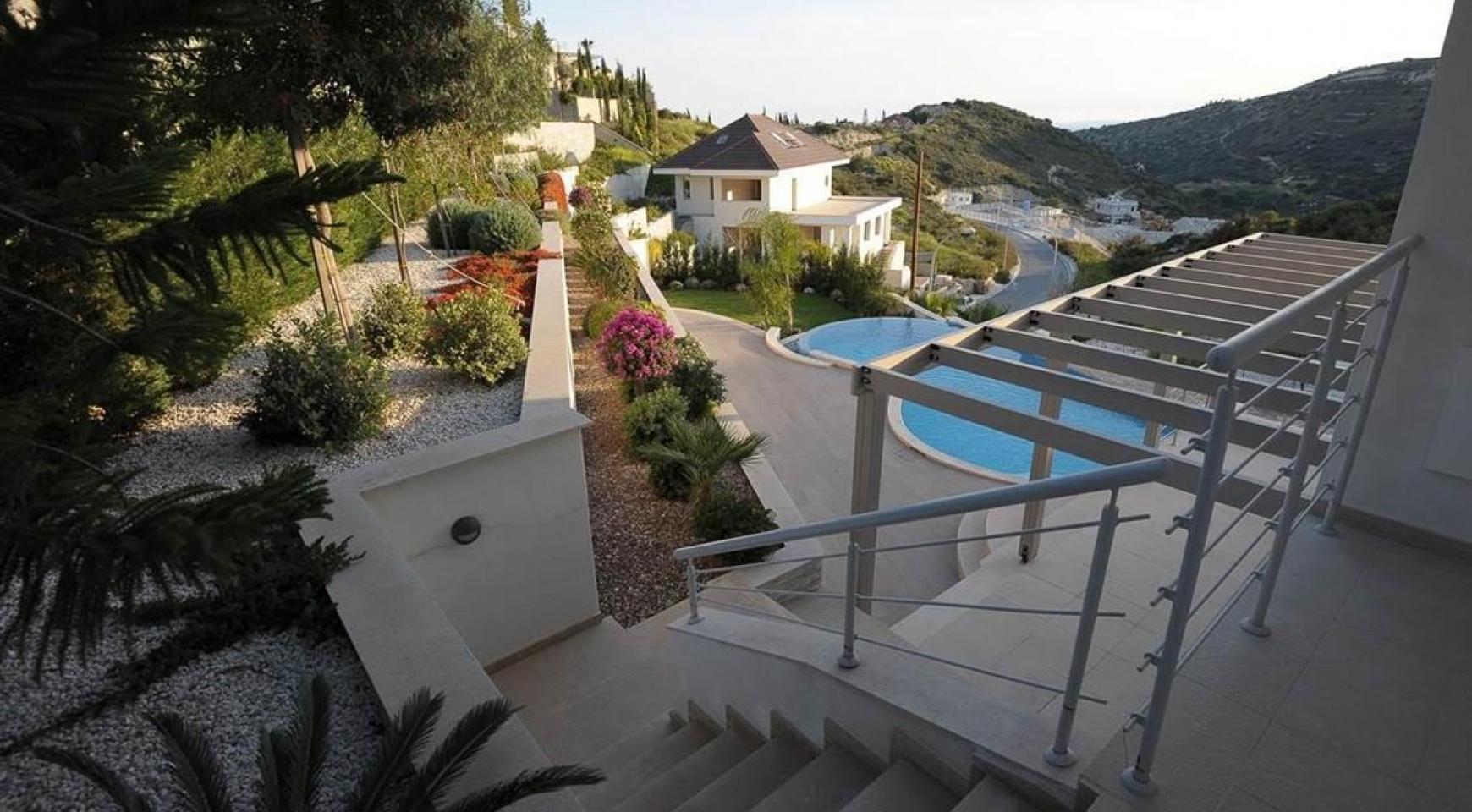 Новая Элитная 5-Спальная Вилла с Изумительными Видами в Районе  Agios Tychonas - 1