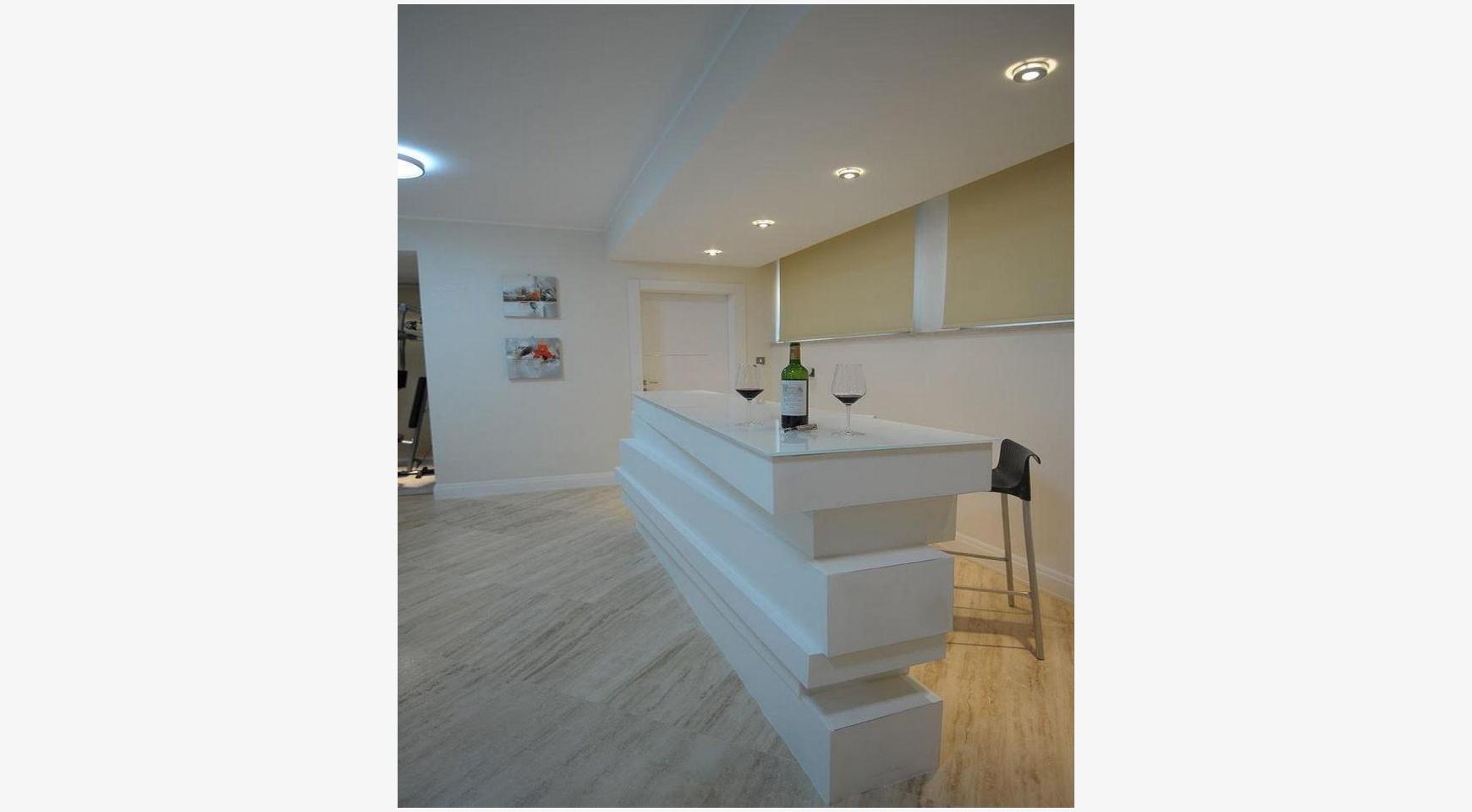 Новая Элитная 5-Спальная Вилла с Изумительными Видами в Районе  Agios Tychonas - 11