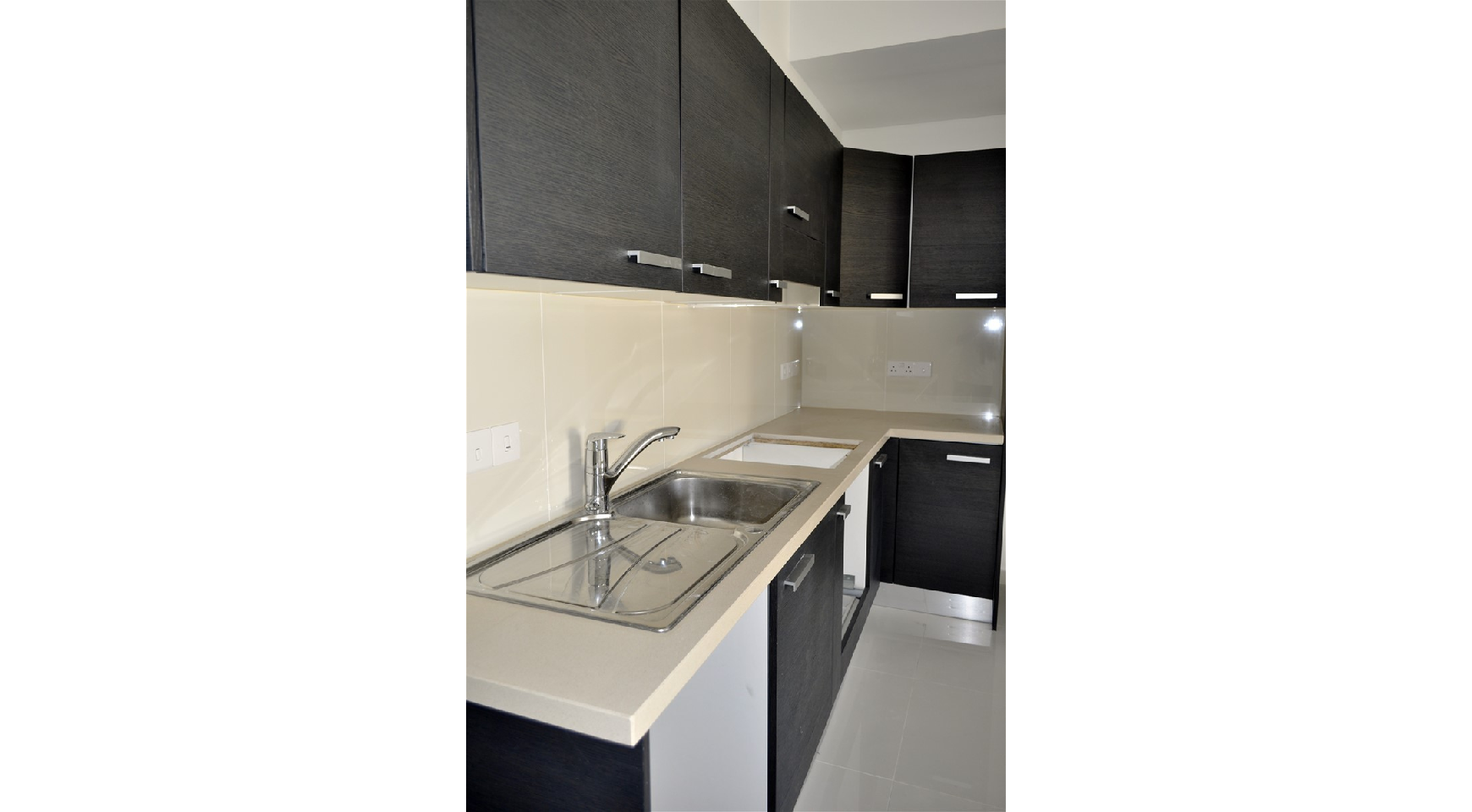 2-Спальная Квартира с Красивыми Видами в Районе Agios Athanasios - 12
