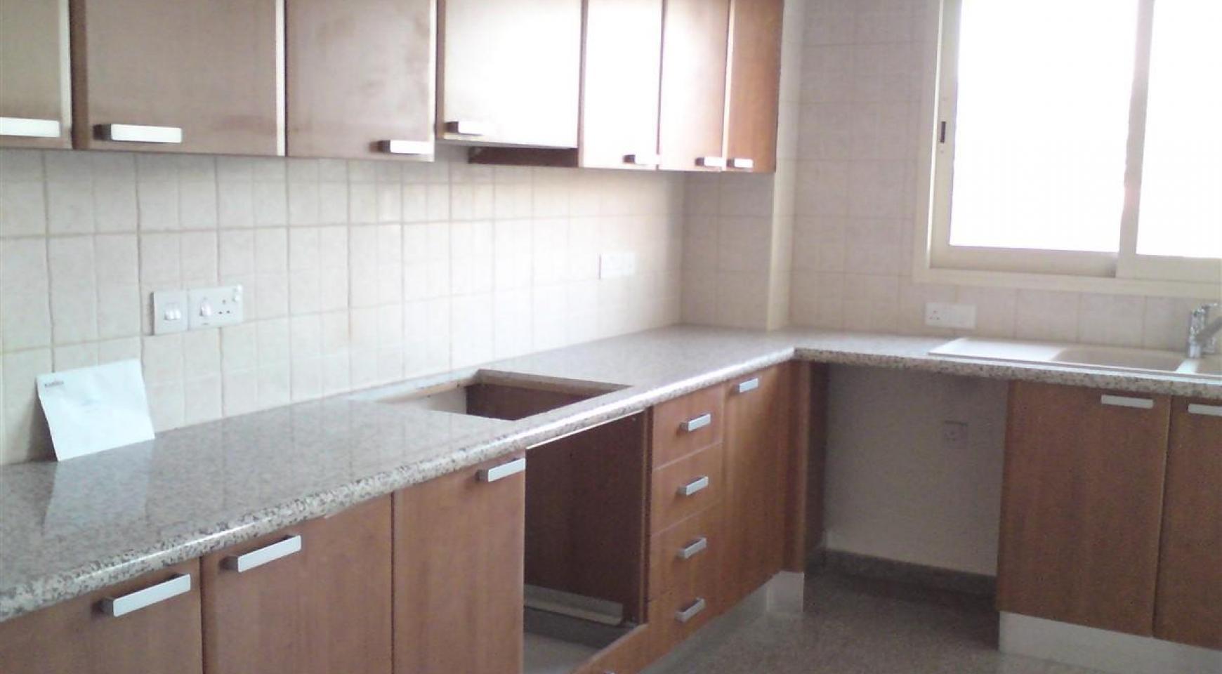 2-Спальная Квартира в Комплексе с Бассейном - 12