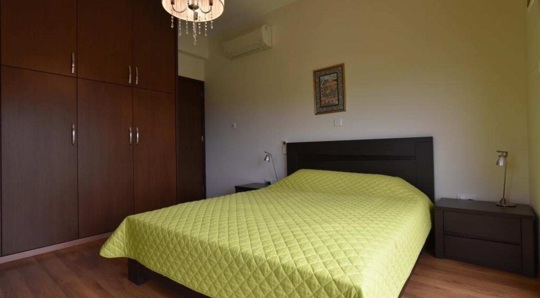 Роскошная 4-Спальная Вилла с Великолепными Видами на Горы и Море - 12