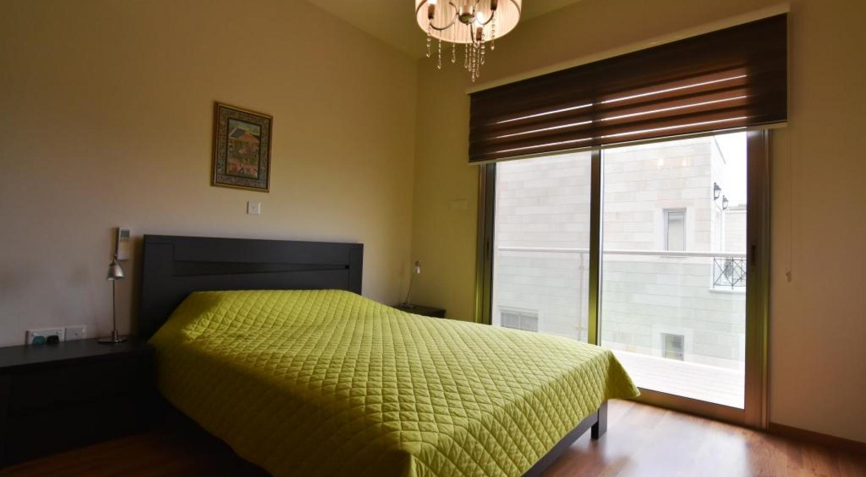 Роскошная 4-Спальная Вилла с Великолепными Видами на Горы и Море - 15