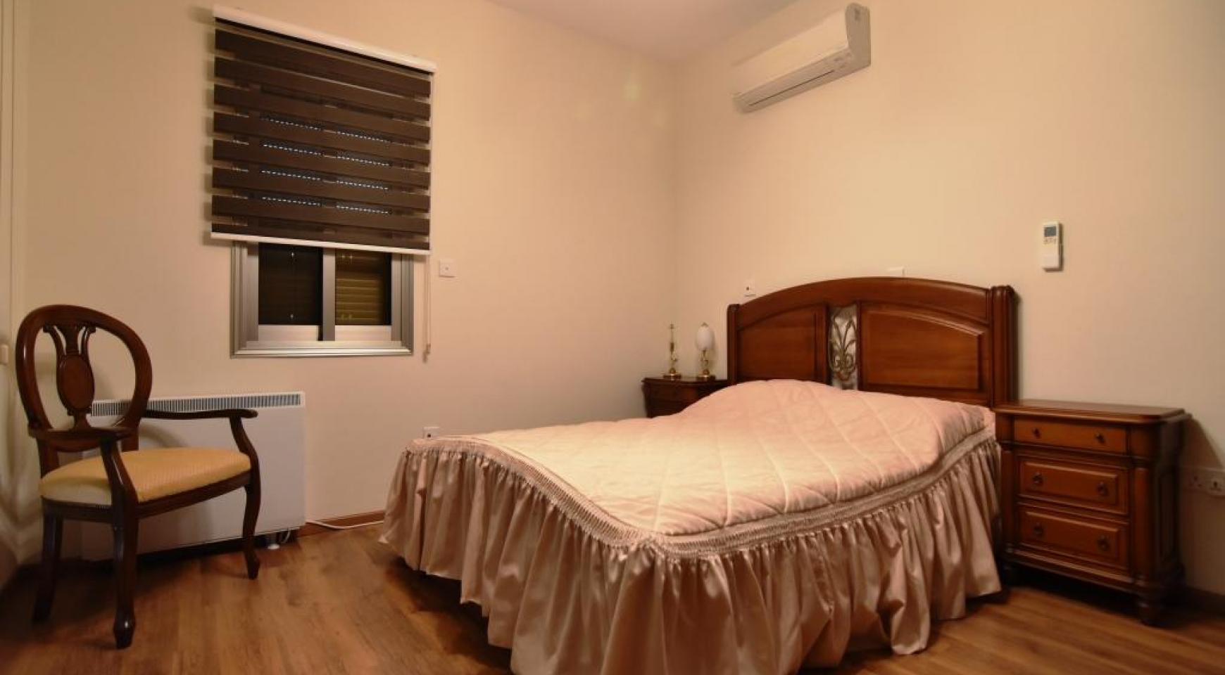 Роскошная 4-Спальная Вилла с Великолепными Видами на Горы и Море - 17