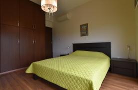 Роскошная 4-Спальная Вилла с Великолепными Видами на Горы и Море - 37