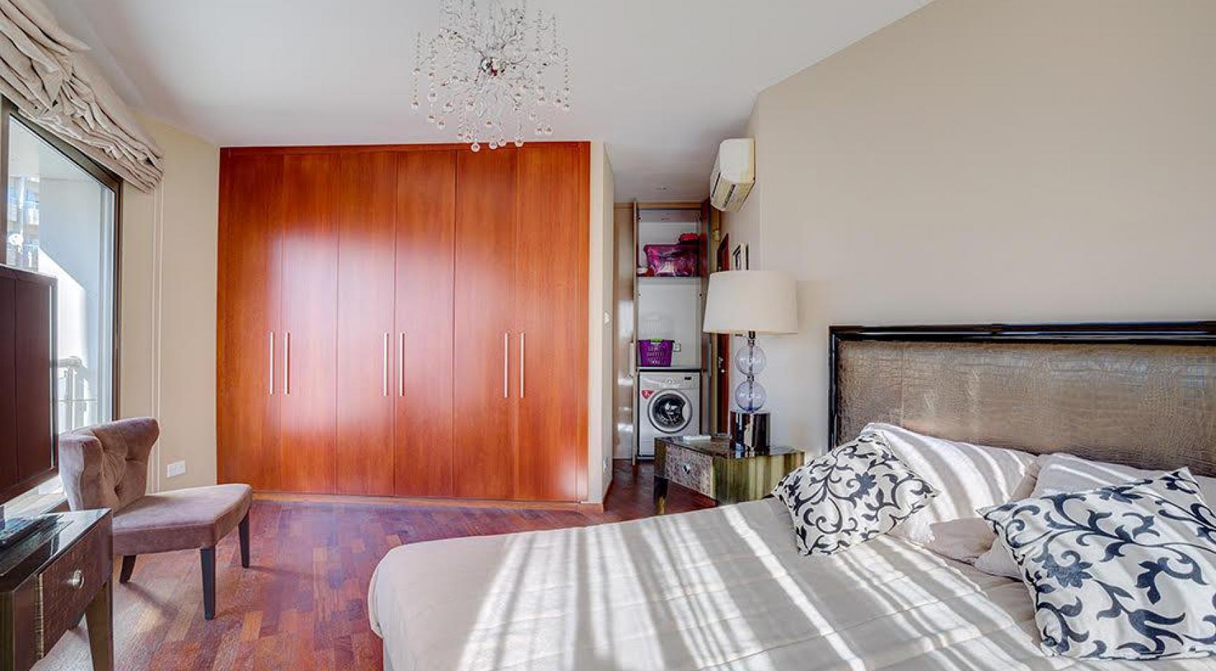Элитная 3-Спальная Квартира на Первой Линии от Моря - 8