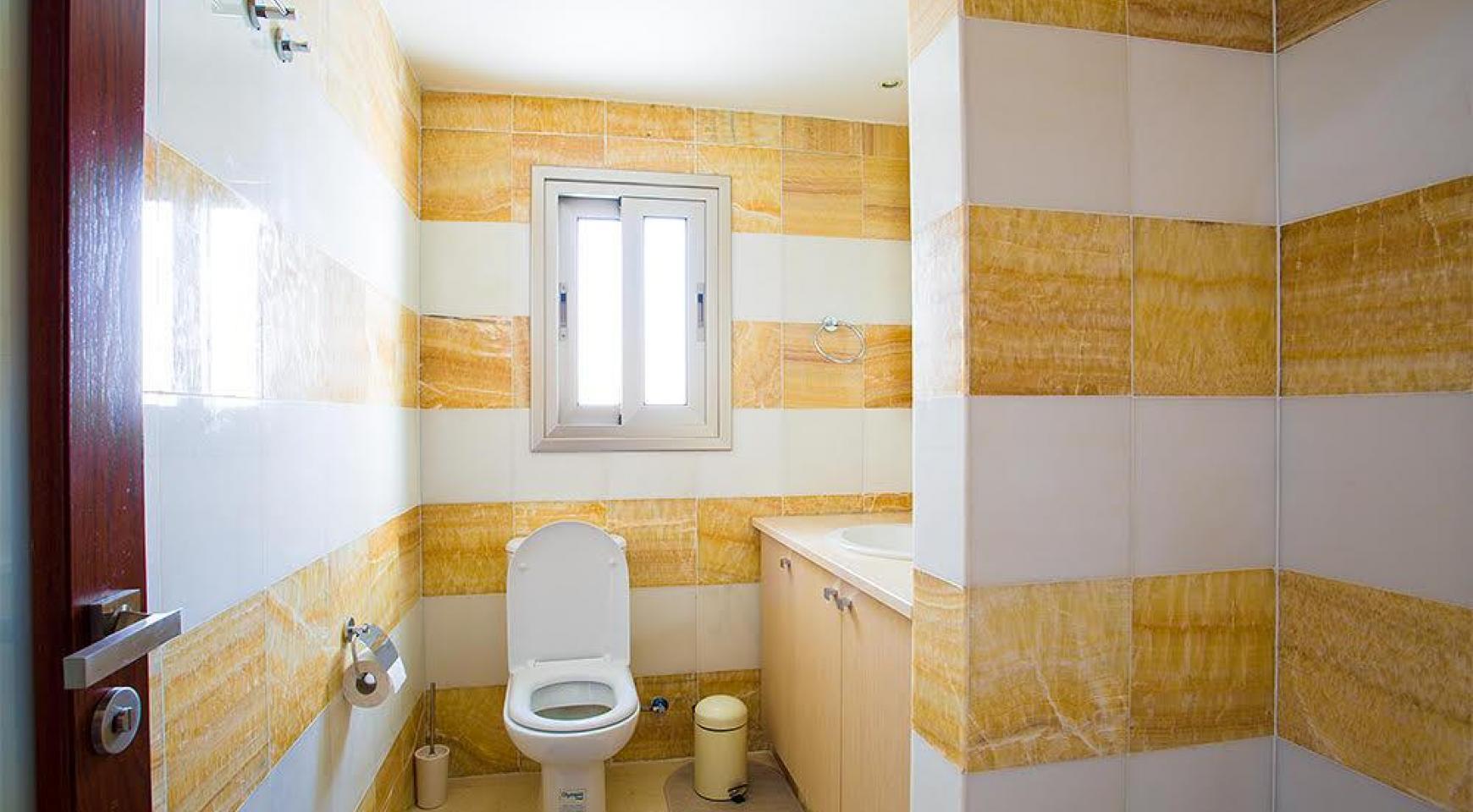 Элитная 3-Спальная Квартира на Первой Линии от Моря - 10