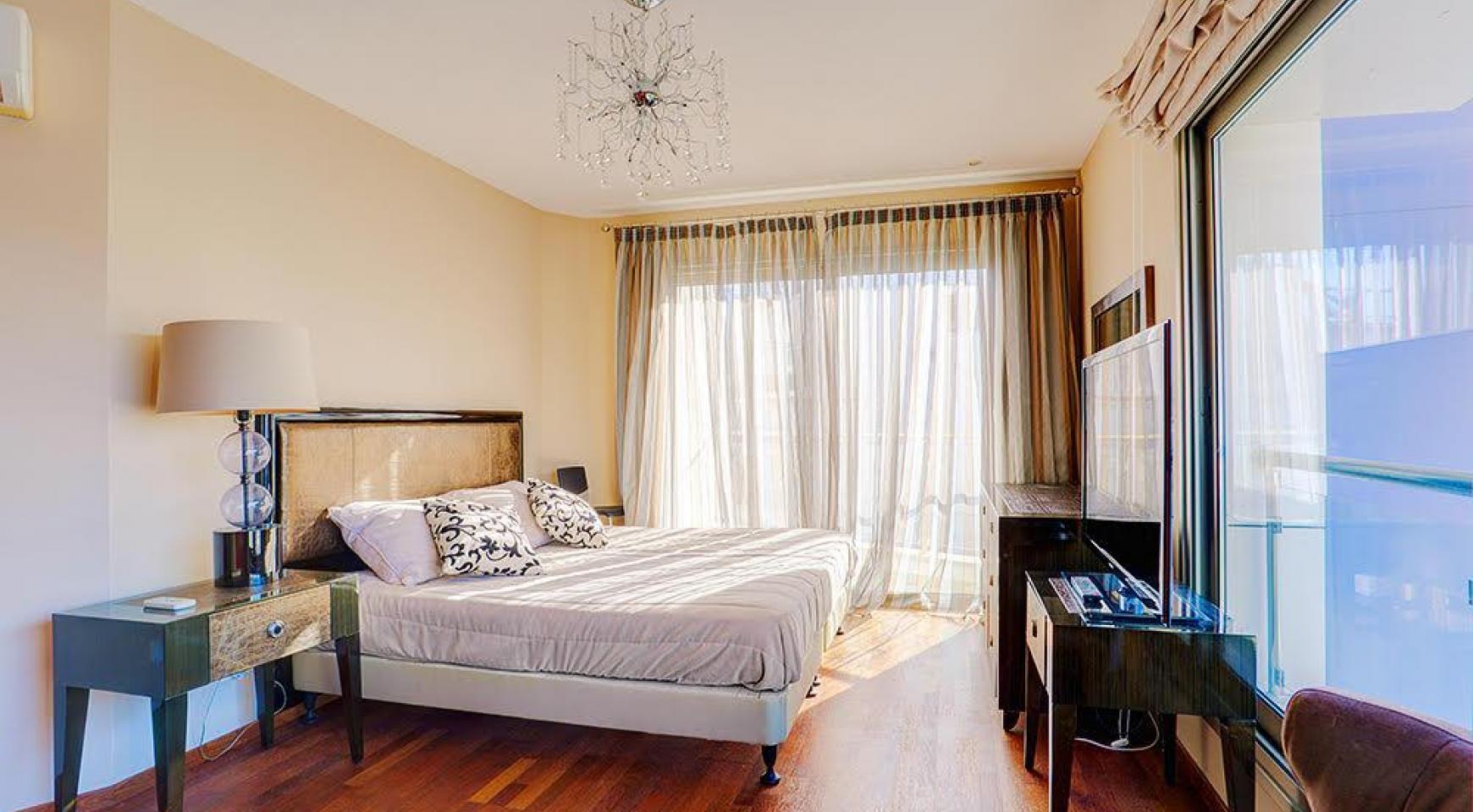 Элитная 3-Спальная Квартира на Первой Линии от Моря - 9