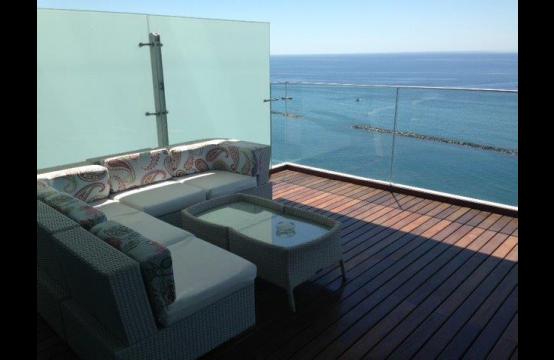 Элитная 3-Спальная Квартира с Изумительным Видом на Море