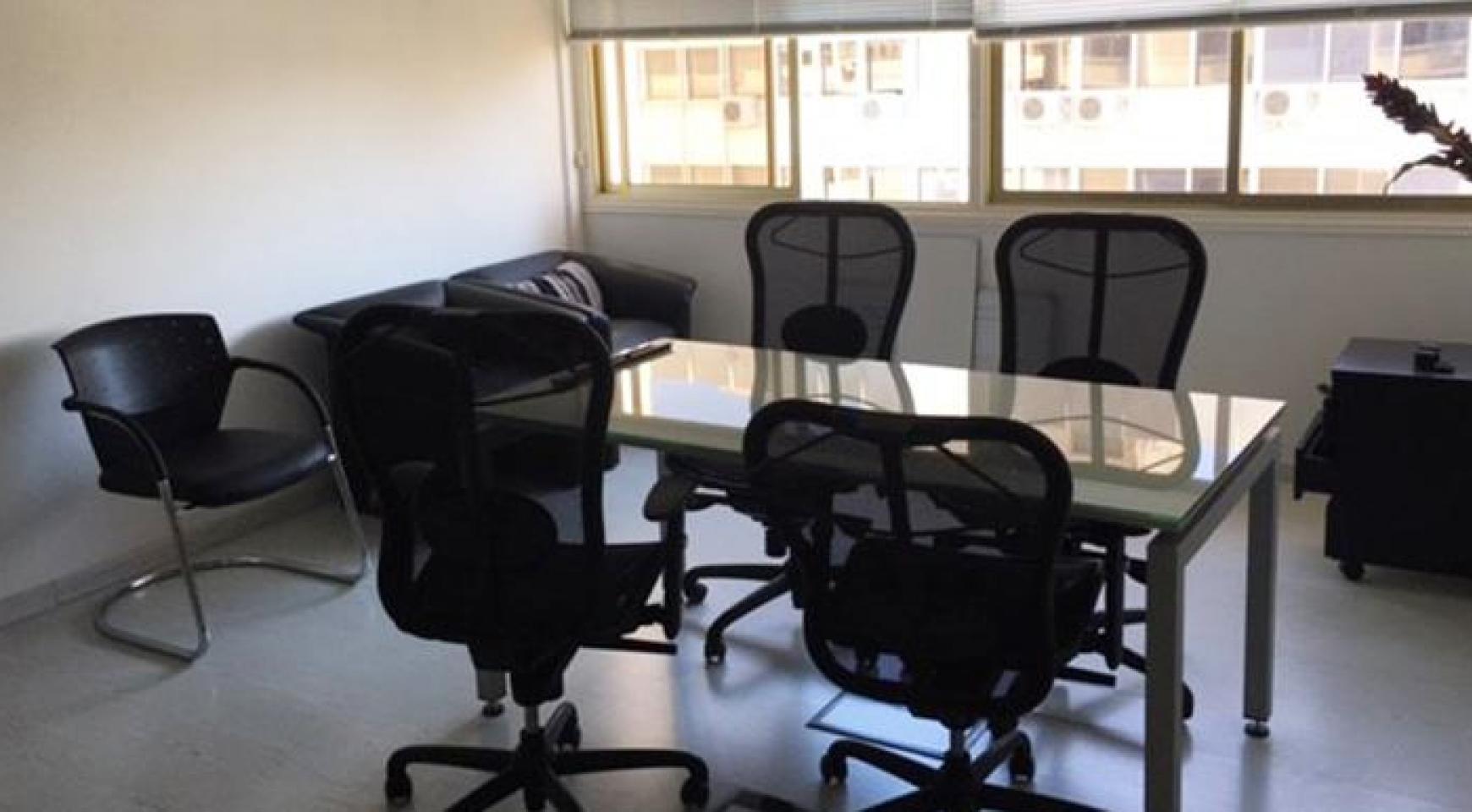 Офис на Продажу в Центре Города - 2