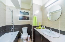 3-Спальная Квартира в Центре Туристической Зоны Лимассола - 24