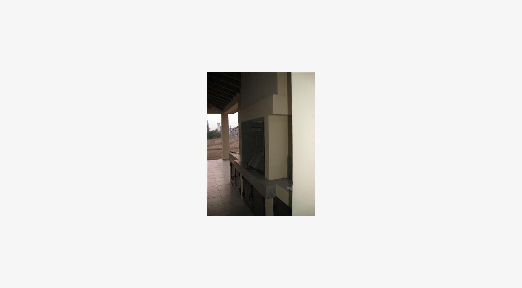 Просторный 4-Cпальный Дом в Районе Nisou - 8
