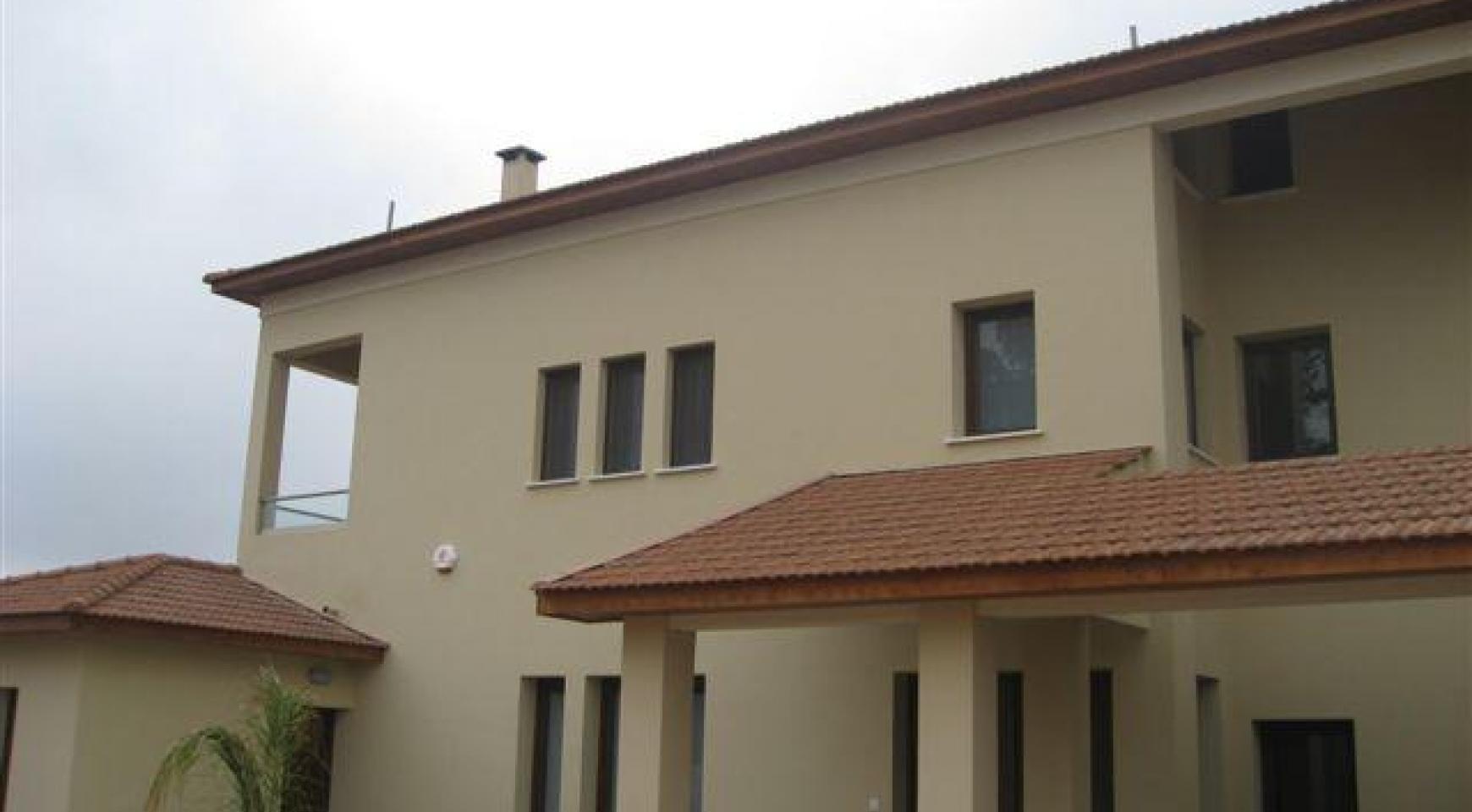 Просторный 4-Cпальный Дом в Районе Nisou - 1