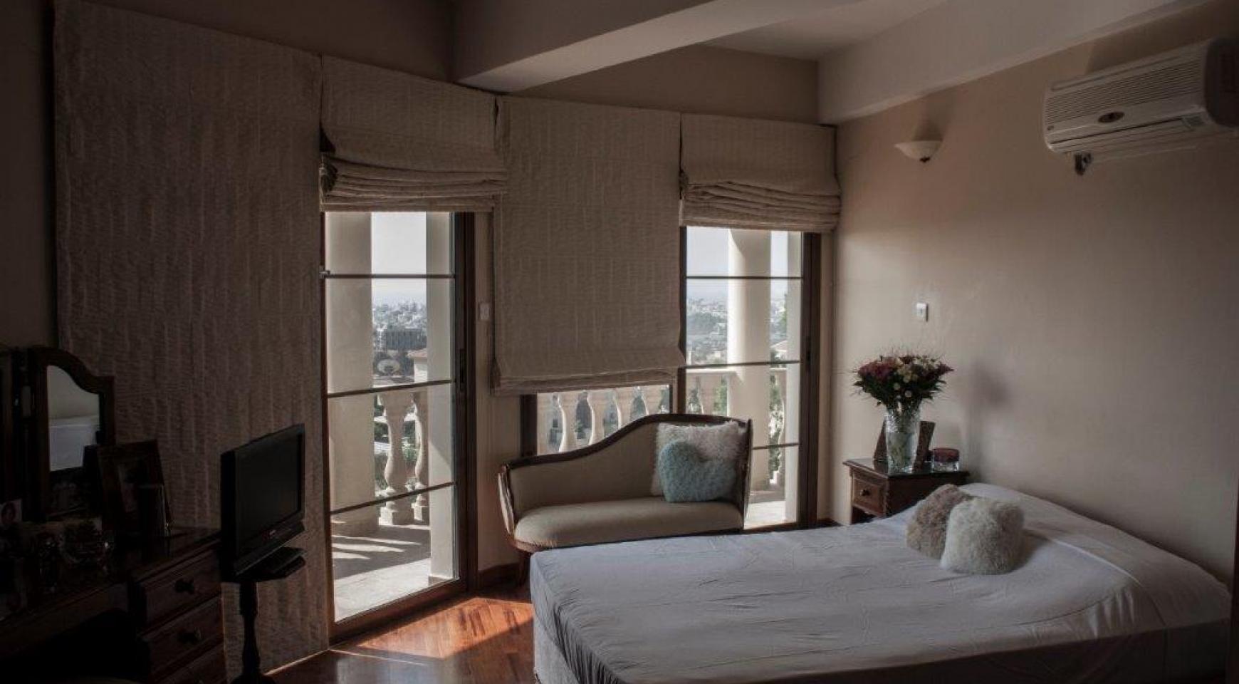 4-Спальная Вилла в Классическом Стиле с Видом на Море в Районе  Mesovounia - 16