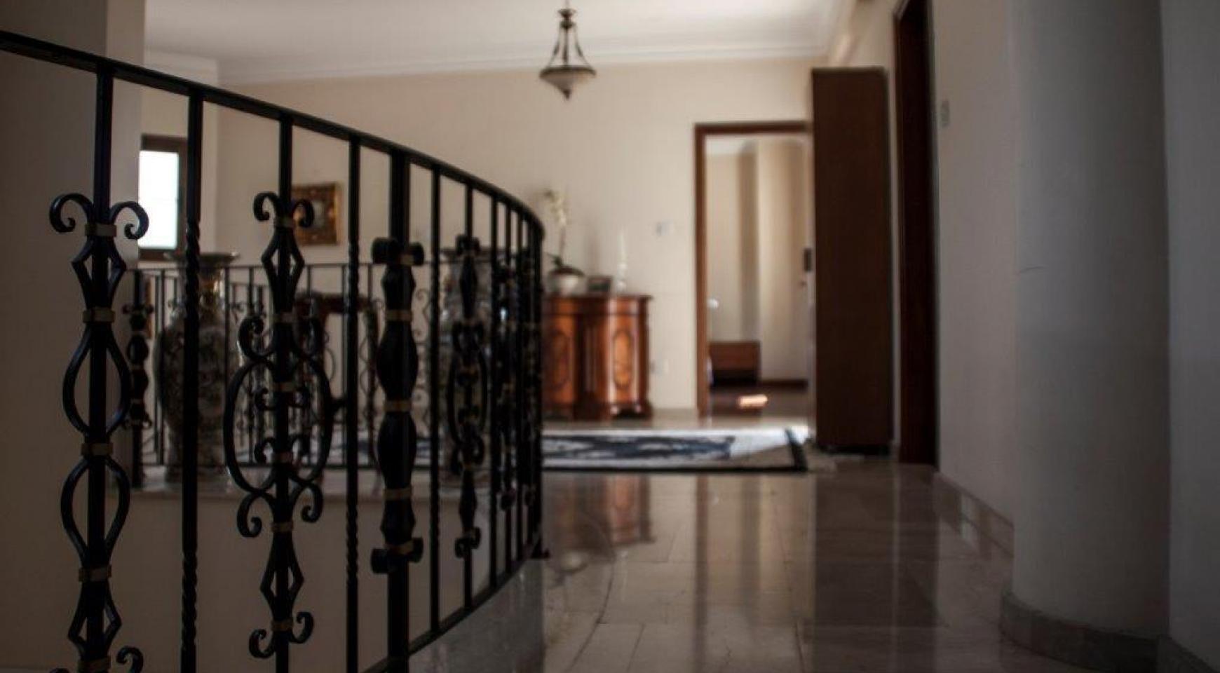 4-Спальная Вилла в Классическом Стиле с Видом на Море в Районе  Mesovounia - 11