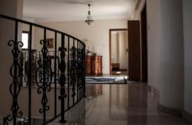 4-Спальная Вилла в Классическом Стиле с Видом на Море в Районе  Mesovounia - 31