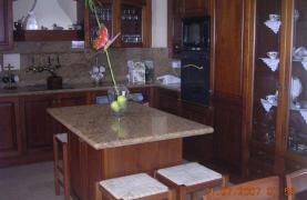 4-Спальная Вилла в Классическом Стиле с Видом на Море в Районе  Mesovounia - 28