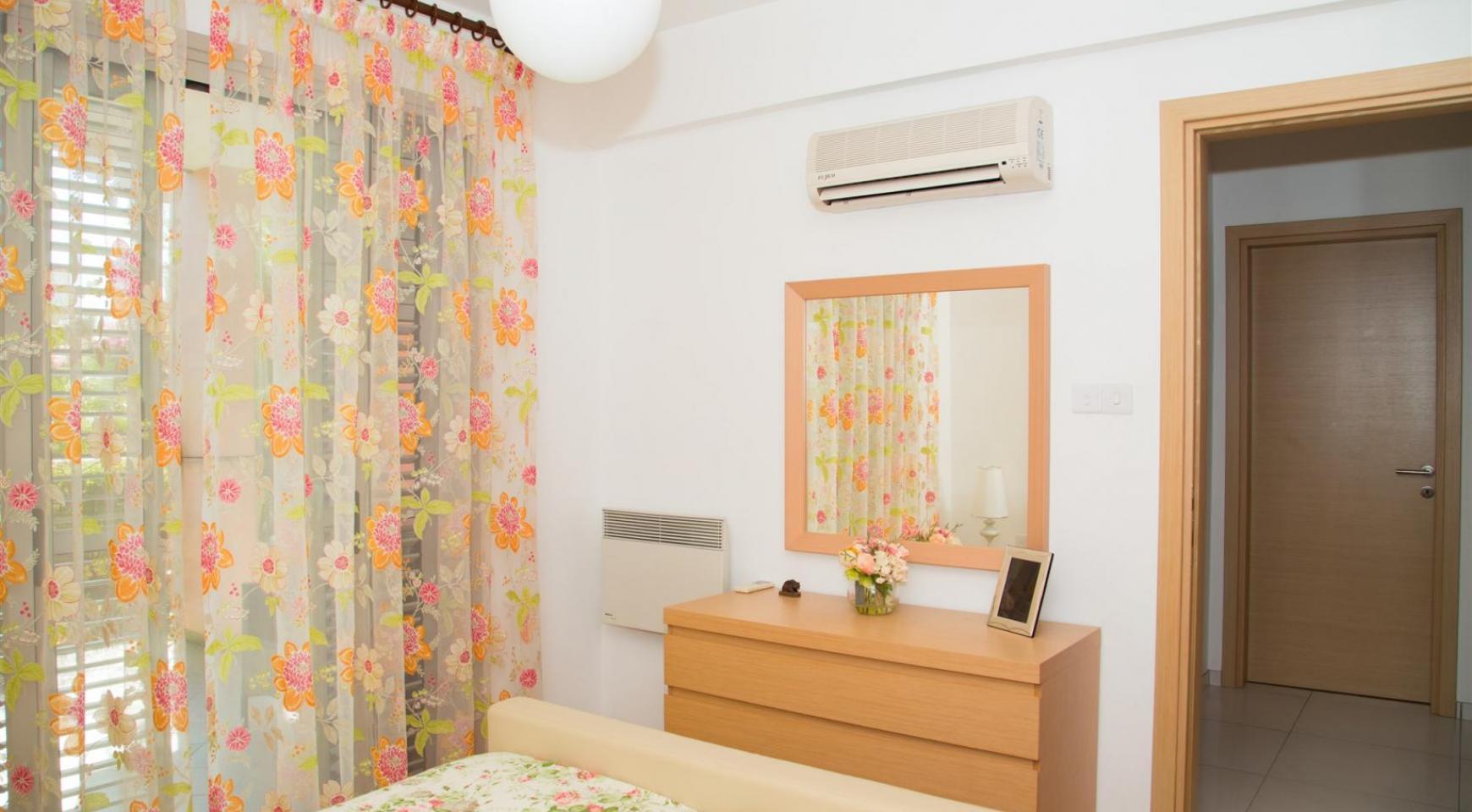 Красивая Двухуровневая 2-Спальная Квартира в Комплексе возле Моря - 8